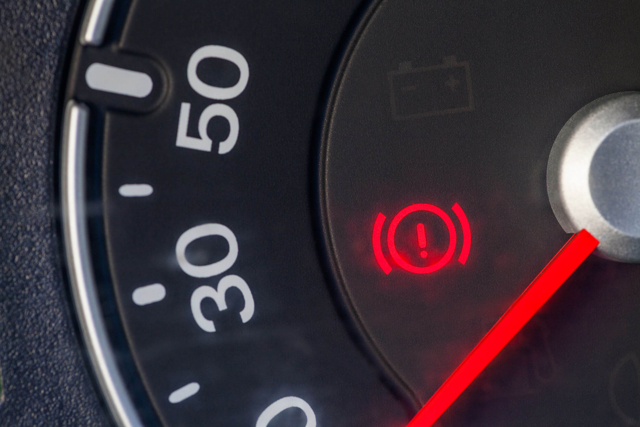 5 Warning Signs Your Brakes Are Trying to Fail You